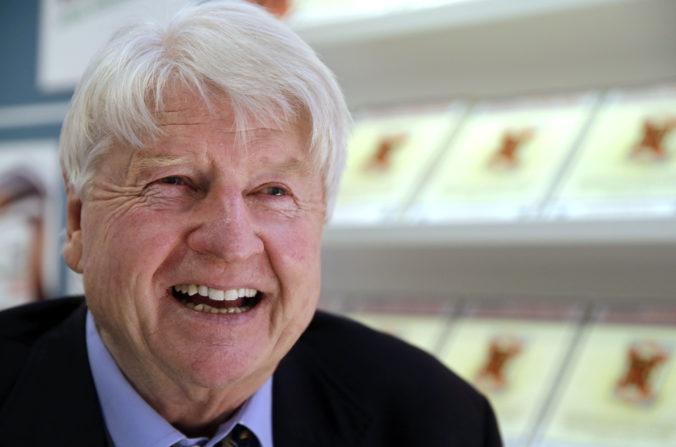 Otec Borisa Johnsona žiada o francúzske občianstvo, synovi uštedril ranu pod pás