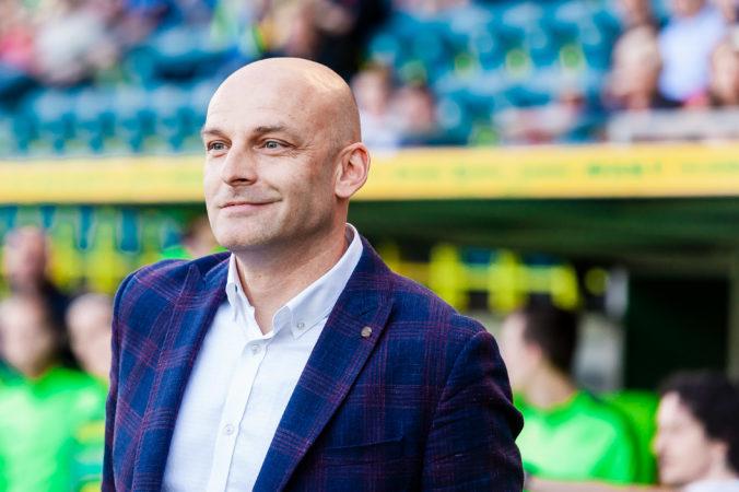 Tréner Guľa ustál nevydarený jeseň a zatiaľ pokračuje na lavičke Viktorie Plzeň