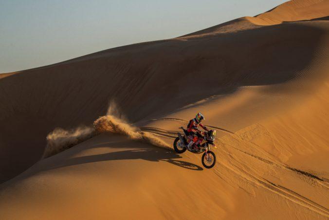Za účasti troch Slovákov odštartoval prológom v Saudskej Arábii nový ročník Rely Dakar