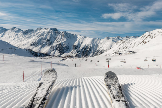 Slovenská lyžiarska asociácia neskladá zbrane, ministerstvo školstva obviňuje z porušenia zákona