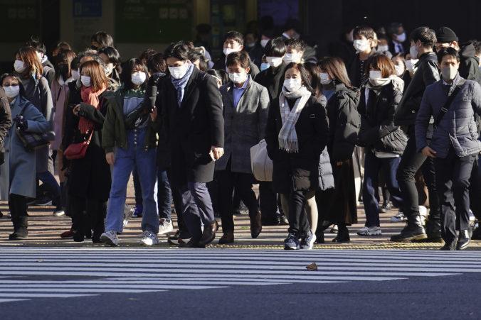 Japonsko zavádza v okolí Tokia núdzový stav, obmedzenia sa dotknú aj predaja alkoholu
