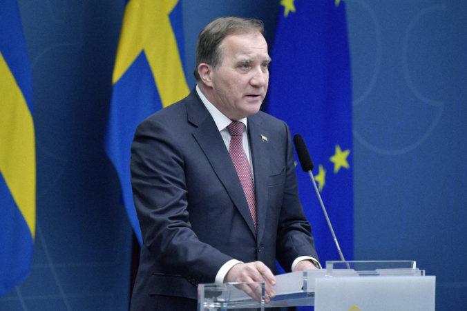 Švédsky premiér ľuďom vianočné nákupy neodporúčal, sám obchodným centrám však neodolal