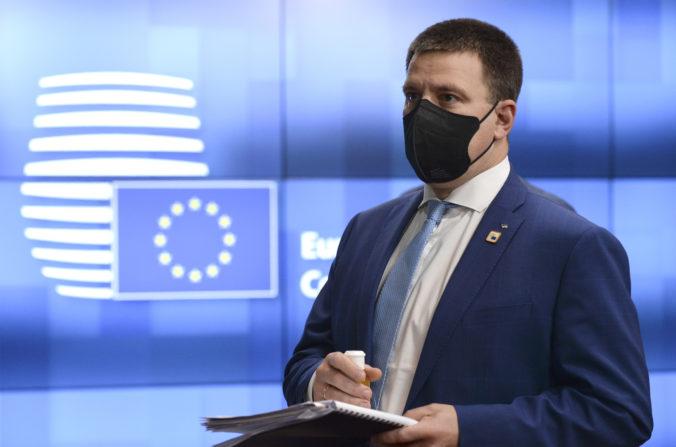 Estónsky premiér rezignoval a vláda padla, Ratasovu stranu vyšetrujú pre korupčný škandál
