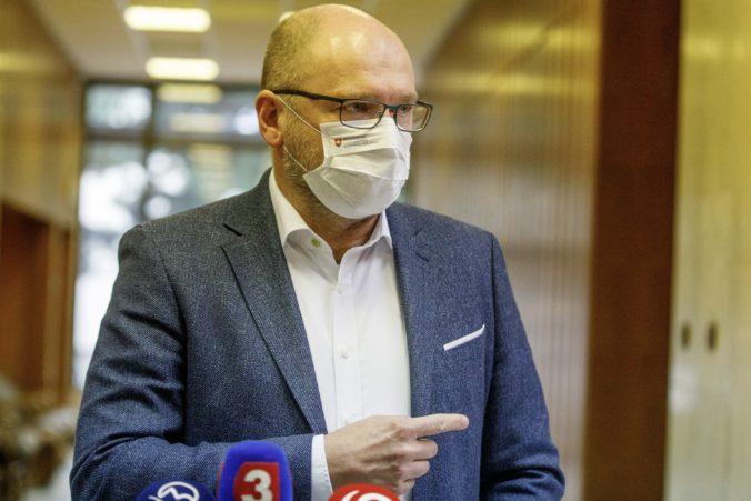 Minister Sulík sa členom vlády ospravedlnil za svoje výroky k celoplošnému testovaniu