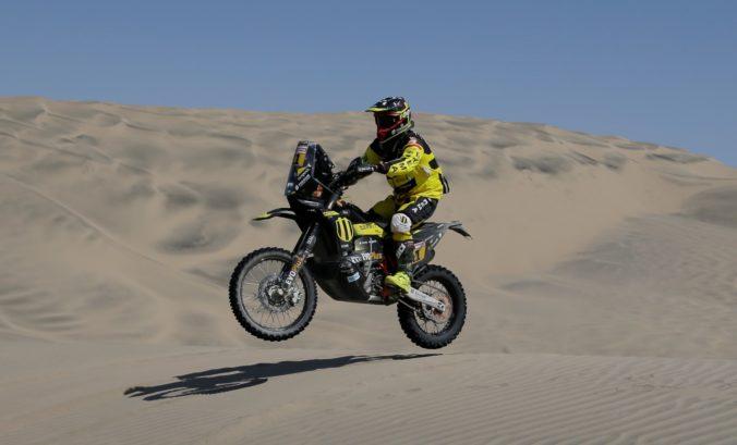 Štefan Svitko sa na Rely Dakar udržal v Top 10, doterajší líder po páde musel skončiť