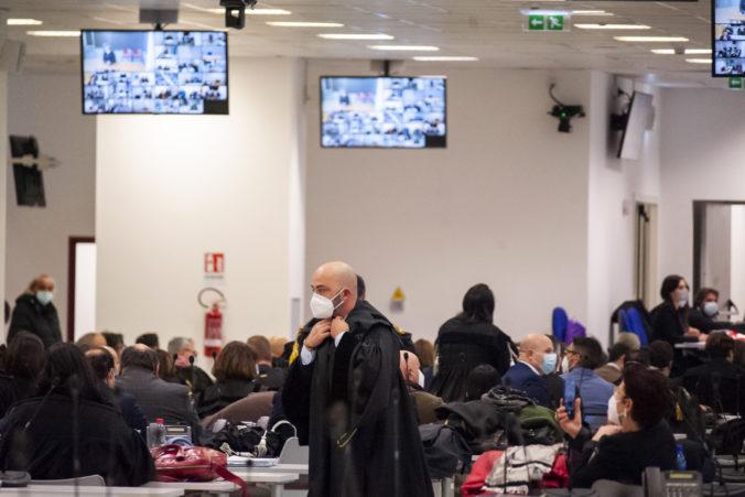 V Taliansku sa začal súd s mafiánskou skupinou 'Ndrangheta, obžalovaných je viac ako 300 ľudí