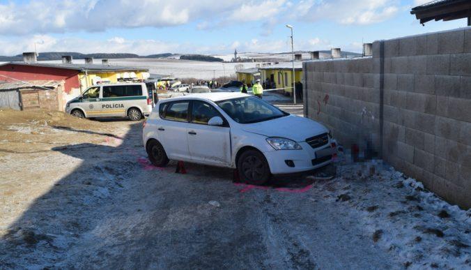 Pri nehode zomrel maloletý chlapec, šofér auta nebol držiteľom vodičského oprávnenia (foto)