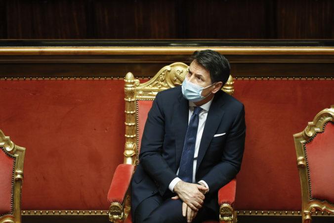 Politická kríza v Taliansku je zažehnaná, senát vyslovil dôveru Conteho vláde