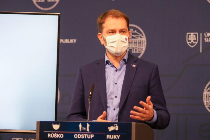 Zákaz vychádzania sa na dva dni nepreruší, Matovičova vláda opravila svoj omyl