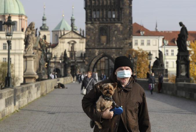 Núdzový stav v Česku predĺžili do polovice februára, schválené opatrenia majú aj jednu výnimku