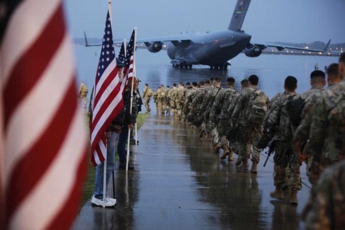 Transrodové osoby môžu vstúpiť do armády USA, Biden zrušil Trumpov zákaz