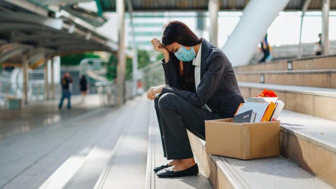 Dopad pandémie na prácu je oveľa horší ako počas krízy v roku 2009, o miesto prišli milióny ľudí