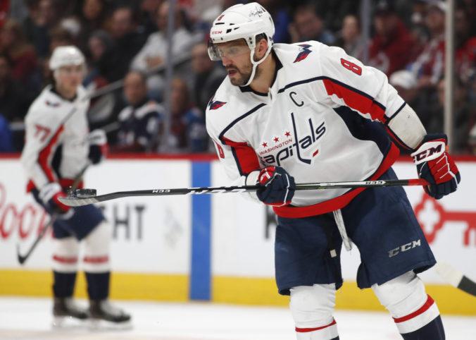Ruskí hráči Washingtonu Capitals skončili v karanténe, Ovečkinova manželka hromží na pravidlá