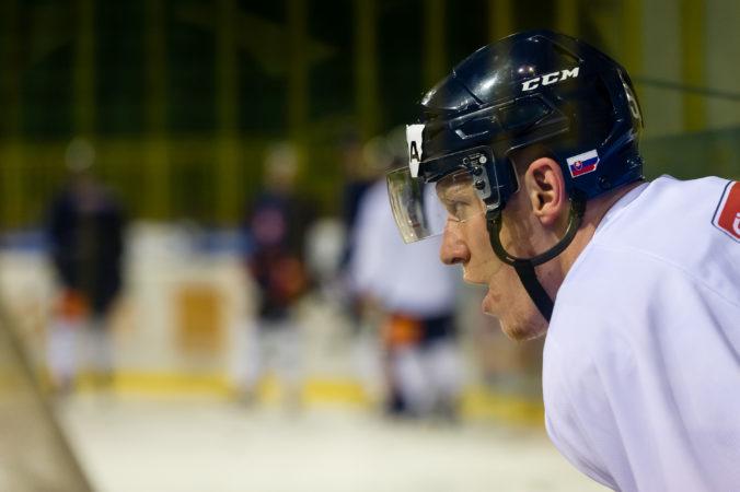 Slovák Čajkovský dosiahol v KHL čistý hetrik, u obrancov ide o málo vídaný jav
