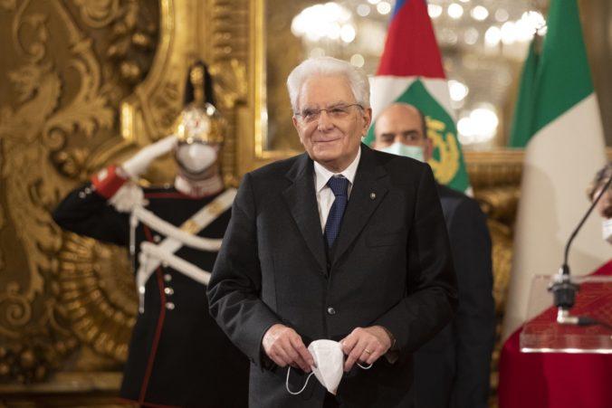 Taliansky prezident Sergio Mattarella dal premiérovi Contemu na obnovu koalície čas do utorka