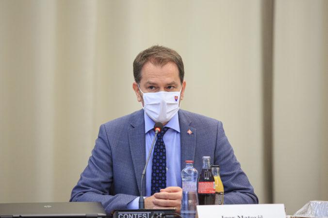 Matovič: Respirátory FFP2 sa na Slovensku budú do konca apríla predávať bez DPH