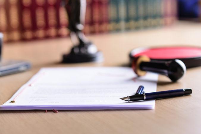 Na sporné tajné zmluvy Finančného riaditeľstva upozornil Úrad pre verejné obstarávanie