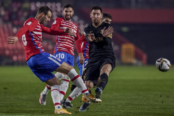 Granada mala FC Barcelona na lopate, Katalánci sa však pozviechali a napokon triumfovali po predĺžení