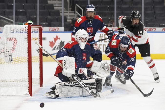 Hokejová osemnástka o svoje zázemie neprišla, oproti zahraničiu v ňom chýba viac konkurencie