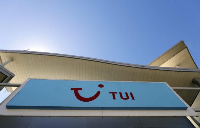 Cestovná kancelária TUI vykázala stratu takmer 700 miliónov eur, ale záujem o dovolenky stúpa