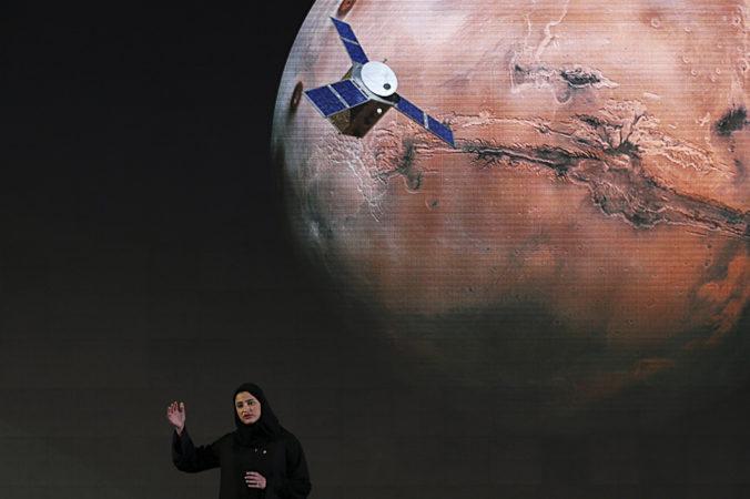 Kozmická loď Spojených arabských emirátov vstúpila na obežnú dráhu Marsu