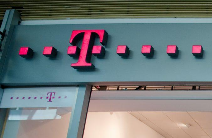Slovak Telekom od zákazníkov vyžaduje negatívny test na COVID-19 a skracuje otváracie hodiny predajní