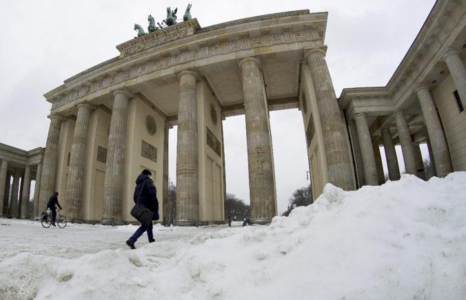 Nemecko predĺžilo lockdown, postupne však otvorí školy a kaderníctva