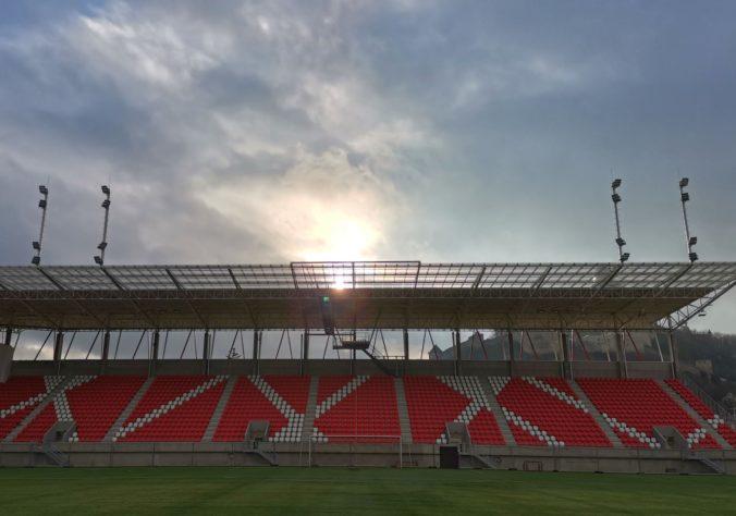 Trenčín sa po takmer tisíc dňoch vracia na vlastný štadión, tribúny však ostanú nevyužité