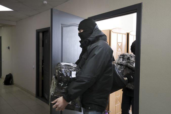 Bieloruská polícia prehľadala kancelárie aj byty novinárov a ľudskoprávnych aktivistov