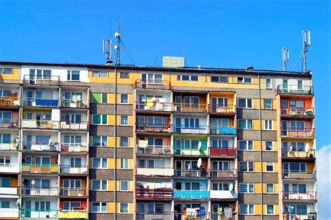 Remišovej ministerstvo pomôže ľuďom ohrozených chudobou, na podporu bývania vyčlení milióny eur