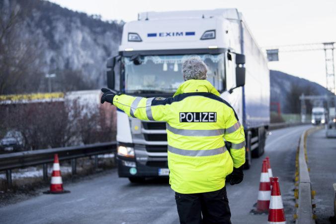 Korčok požiadal Nemcov o výnimku, treba zabezpečiť plynulý prechod tovarov cez hranice