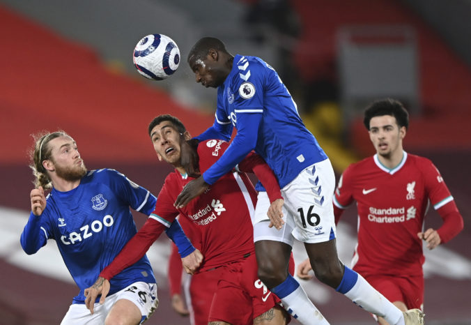 Everton vyhral na Anfielde po 22 rokoch, Liverpool ťahá najhoršiu domácu sériu (video)