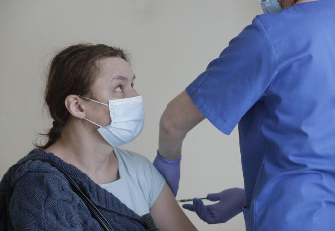 V Poľsku začali platiť nové pravidlá, povolené sú kúpele a zaočkovaní ľudia sa vyhnú aj karanténe