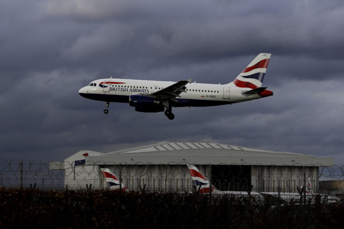 Rok 2020 bol pre londýnske letisko Heathrow vlani náročný, skončilo v strate dve miliardy libier