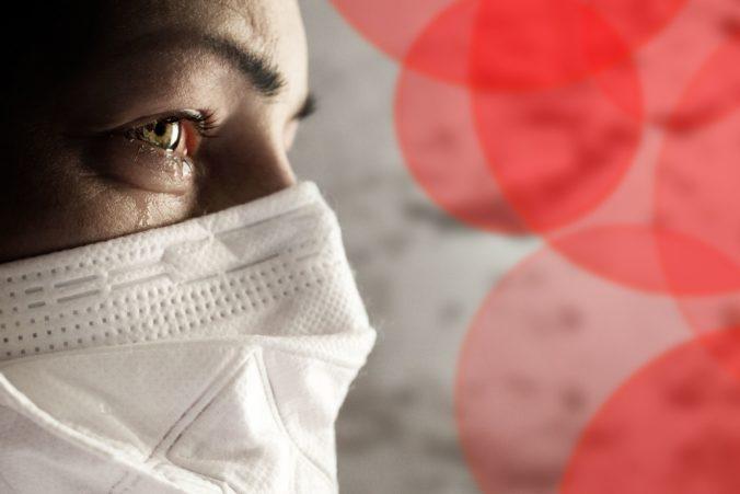 Šatky a šále budú ako ochranné prostriedky v Poľsku zakázané, povinné bude nosenie len chirurgických rúšok