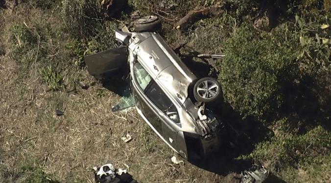 Tiger Woods má za sebou ťažkú autonehodu, po niekoľkých zlomeninách je jeho kariéra v ohrození (foto)