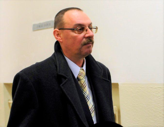 Bývalému generálnemu prokurátorovi Trnkovi zakázali USA vstup do krajiny, zákaz platí aj pre jeho syna