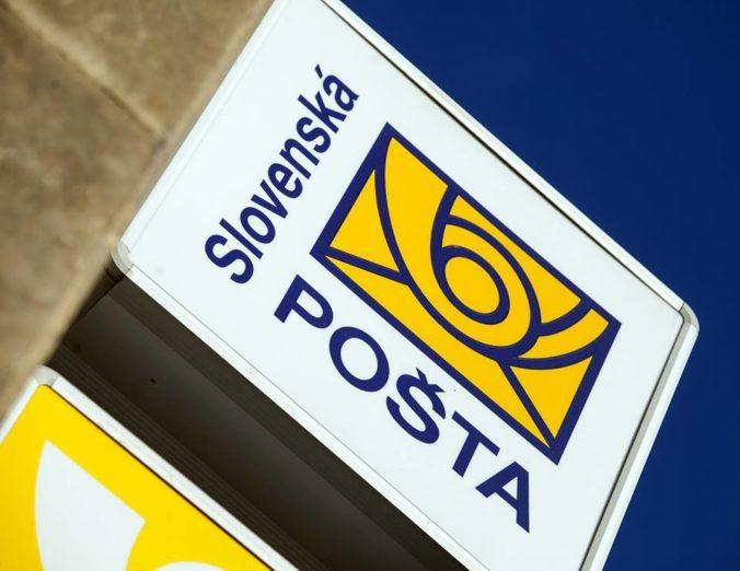 Tržby pošty klesli o milióny eur, napriek nakazeným zamestnancom sa snaží o plynulé doručovanie