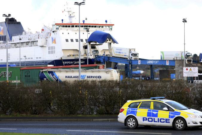 EÚ začne právne kroky proti Veľkej Británii, dôvodom sú colné kontroly tovarov do Severného Írska