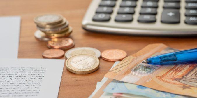 Živnostníkom od budúceho roka stúpnu minimálne sociálne i zdravotné odvody, zvýšia sa takmer o 10 eur