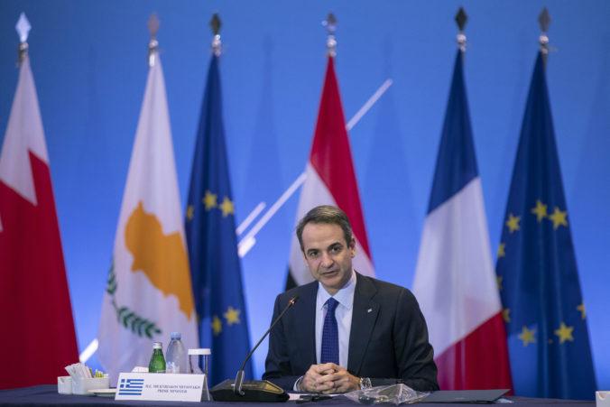 Grécko sa snaží zmierniť dopady koronakrízy, premiér predstavil balík opatrení za 2,5 miliardy eur