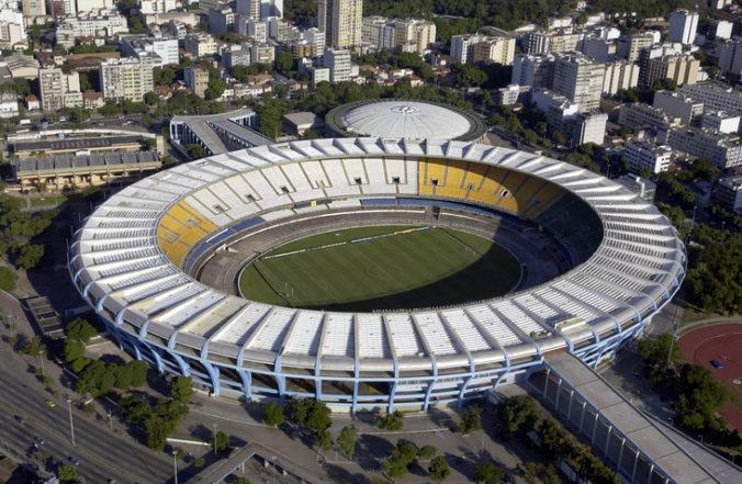 Najslávnejší futbalový štadión Maracana má nové meno, Pelé dostal darček k osemdesiatke