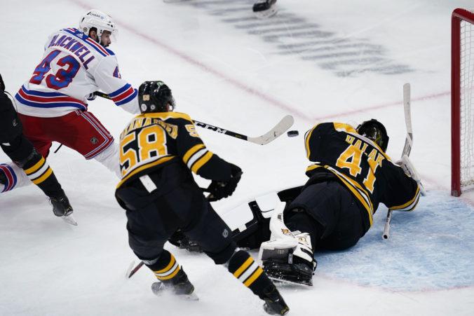 """Brankár Halák """"vynuloval"""" New York Rangers, z triumfu v NHL sa tešili aj Chára a Pánik (video)"""