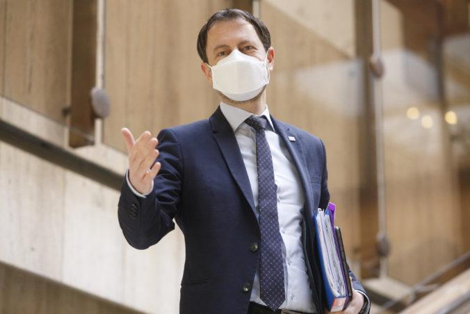 Vďaka zlepšeniu pandemickej situácie nebude potrebné zatváranie ekonomiky, oznámil Heger