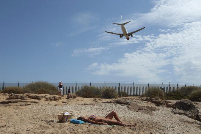 Nemci si húfne rezervujú letenky na Baleárske ostrovy, španielske úrady upozorňujú na obmedzenia