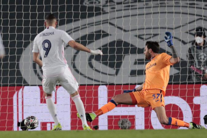 Real Madrid je po dvoch rokoch vo štvrťfinále Ligy majstrov, Benzema proti Atalante strelil jubilejný gól (video)