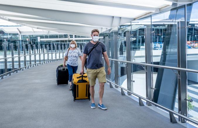 Ľudia pre zákaz dovoleniek v zahraničí o svoje peniaze neprídu, ale uvidia ich až o pár mesiacov