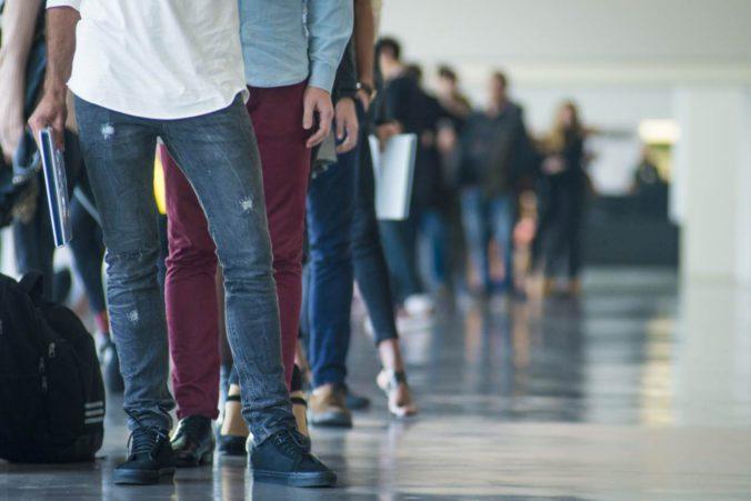 Miera nezamestnanosti stúpla štvrtý mesiac po sebe, bez práce je viac ako 200-tisíc Slovákov