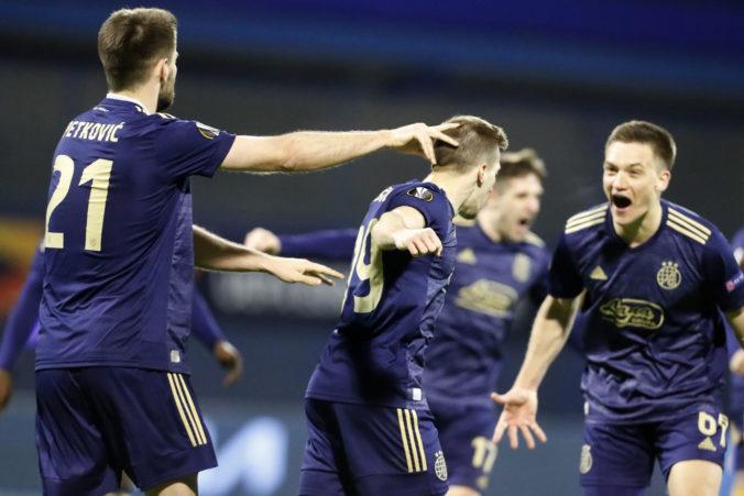 Tottenham dostal studenú sprchu v Záhrebe, Manchester v Európskej lige vyradil AC Miláno (video)