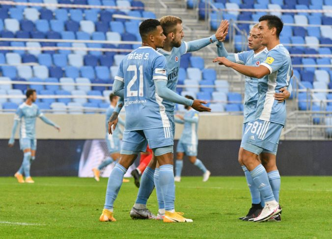Slovan v zápase Fortuna ligy proti Žiline ratoval doma aspoň bod, Michalovce klesli na dno